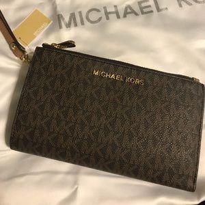 Beautiful NWT MK double zip wallet